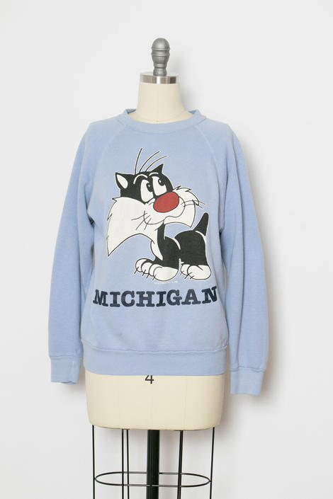 1990s Sweatshirt Sylvester Cat Michigan M by dejavintageboutique