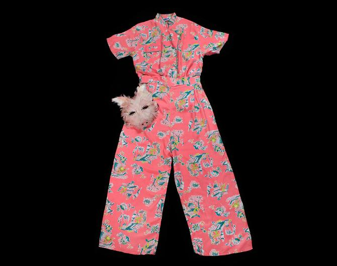 1940s Pink Novelty Print Pant Set / Cold Rayon Two Pc Pajama / Lounge Suit by GuermantesVintage
