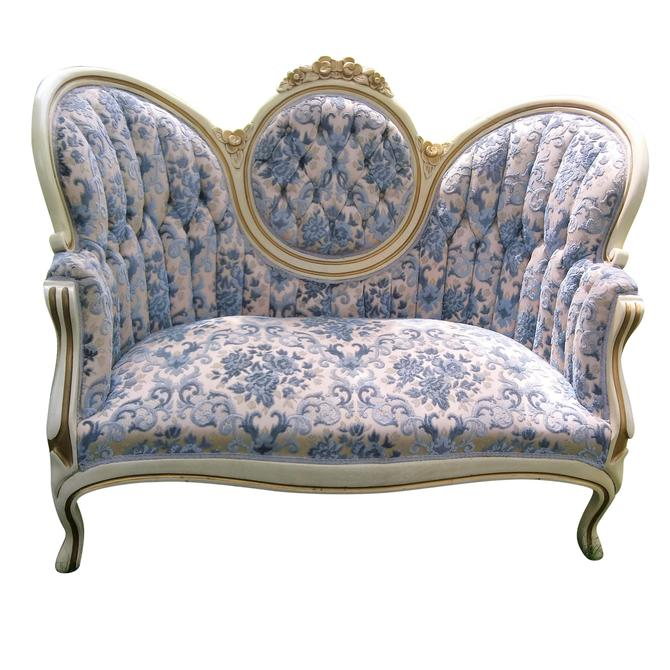 ANTIQUE Style Sofa/Loveseat, Victorian, Tufted, Shabby Chic, Vintage Settee, Home Decor by 3GirlsAntiques