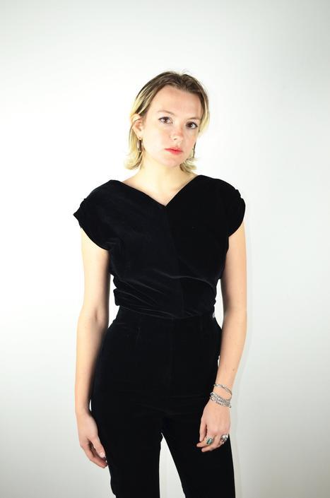 Vintage 50s Black Velvet Blouse Shirt / Vintage 1950s Top / Vintage Rockabilly VLV Pin Up Pinup Blouse / Small Medium XS / V Neck Sleeveless by ErraticStaticVintage