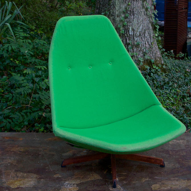 American Mid Century Modern Atomic Age Small Patio Round: Madsen Schubell Space Age Danish Tilt Swivel Lounge Chair