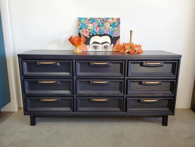 Vintage Modern 9 Drawer Twilight Dresser