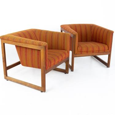 Milo Baughman Style Mid Century Monarch Floating Club Cube Lounge Chairs - A Pair - mcm by ModernHill