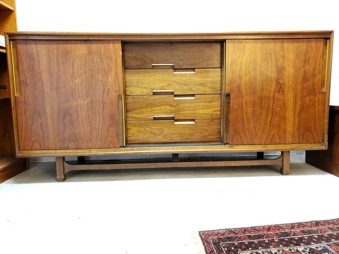 Cavalier Furniture Walnut Mid-century Credenza