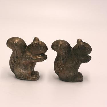 vintage metal squirrel salt and pepper shakers by suesuegonzalas