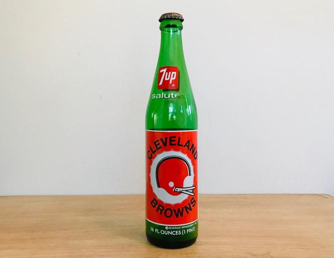 Vintage Souvenir 7UP Salutes Cleveland Browns Bottle 1974 by DelveChicago