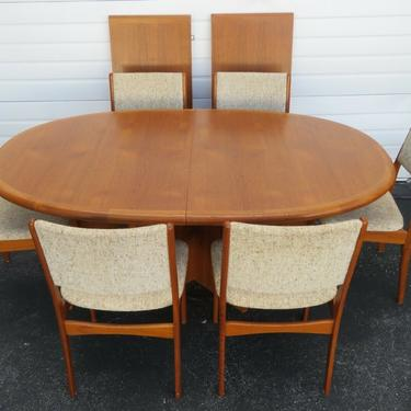 Danish Modern Mid Century Set of Dining Table Six Chairs and Two Leaves 2435