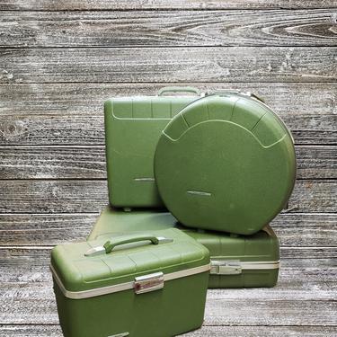 Vintage Starflite Luggage Set, 4pc Lightweght Suitcases + KEYS, 1960s Train Case, Vintage Round Suitcase, Mid Century Modern, Vintage Travel by AGoGoVintage