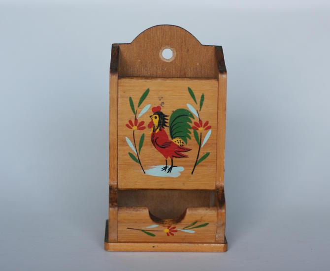 vintage rooster wooden kitchen match box holder by suesuegonzalas