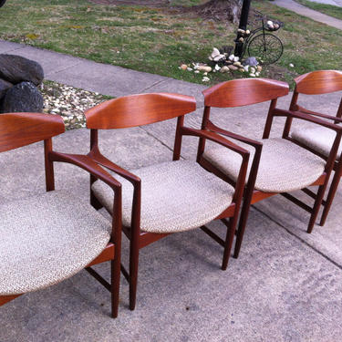 Danish Scandinavian Teak Dining chairs by Selig by DanishGarage