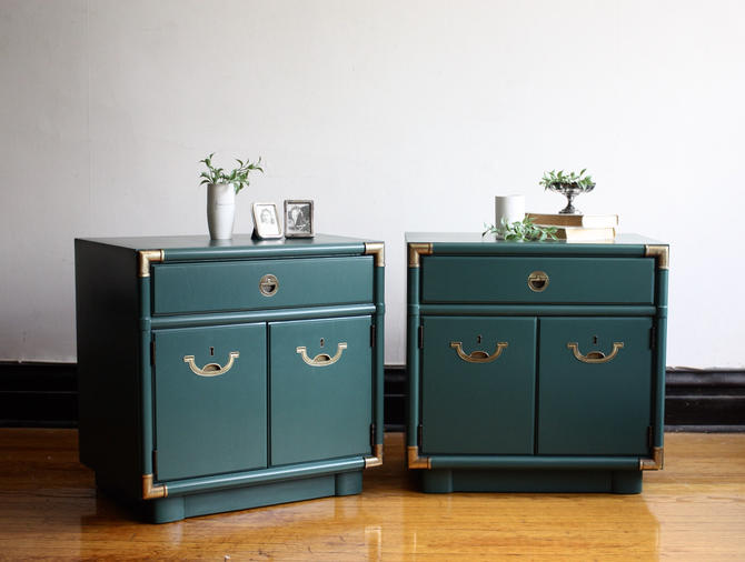 Pair of Emerald Green Campaign Nightstands by Drexel//Modern Bedside Table Pair//Refinished Nightstands//End Table Matching Set by RavenswoodRevival