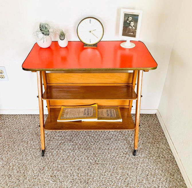 Red Formica Table, Magazine Cart, Vintage Formica Table, Side Table Mid Century, 50s 60s, Atomic End Table, Mid Century Formica Table by dadacat