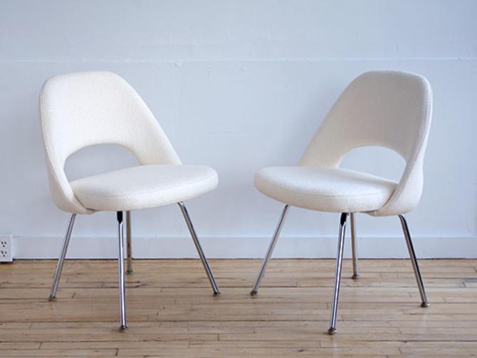 Pair Saarinen Executive Chairs Chrome Base