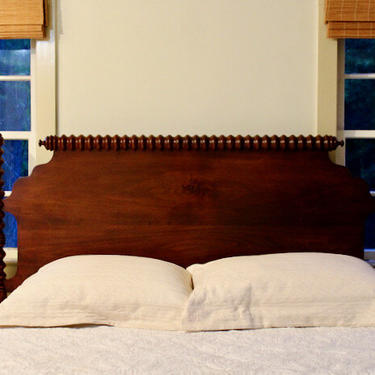 Heavy Turned Spool Bed in Maple. Original Posts Circa 1840. Resized to Queen