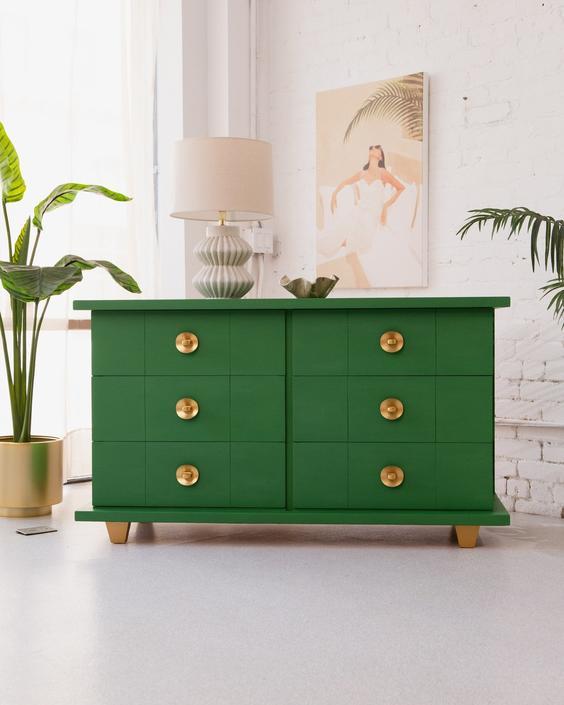 Kelly Green Dresser Round Handles