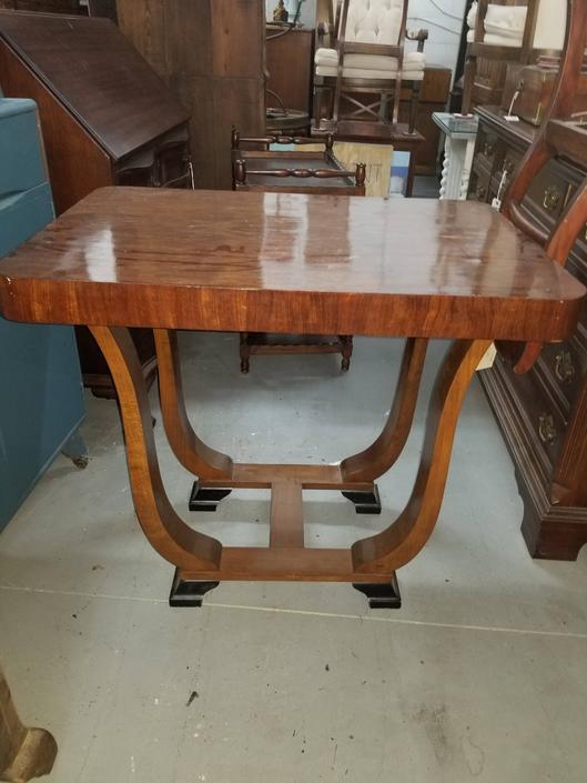 Empire Table