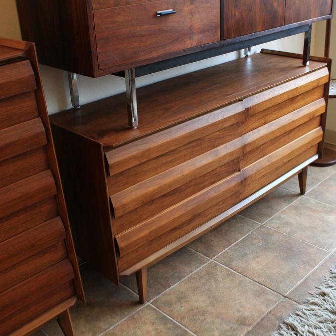 Compact Mid Century Walnut Long Dresser w / Geometric Pulls