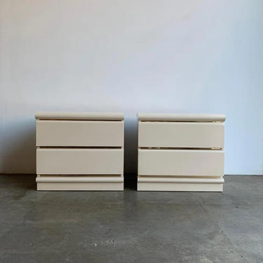 1980s White Lacquered Nightstands by VintageOnPoint