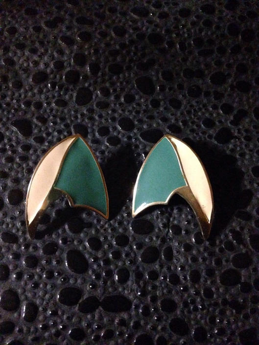 Vintage Arrow Shaped Earrings by BTvintageclothes