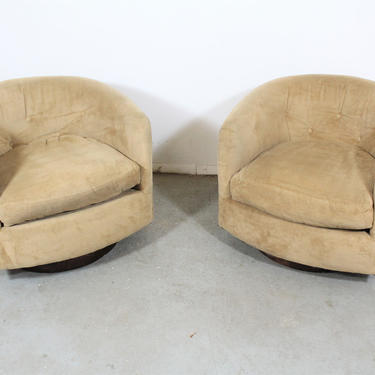Pair of Mid-Century Modern Swivel Club Chairs by AnnexMarketplace