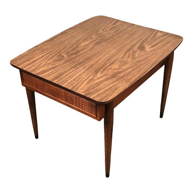 American Of Martinsville Mid-Century Modern End Table / Nightstand by modernmidcenturyfurn