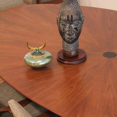 Osvaldo Borsani Stow Davis Mid Century Modern Walnut Oval Dining Table