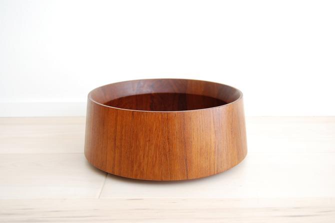 Danish Modern Dansk Designs Round Staved Teak Serving Bowl Made in Denmark Jens Quistgaard by MidCentury55