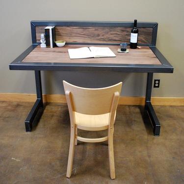 Kraftig Desk by deliafurniture