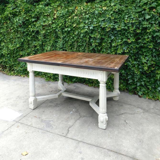 Vintage Farmhouse Extendable DIning Table