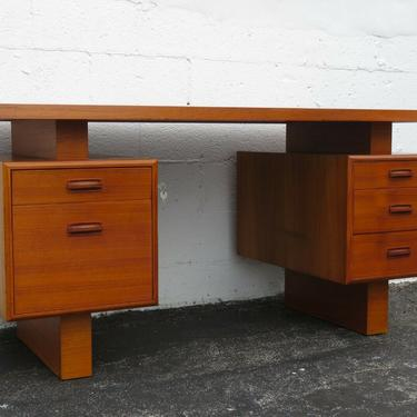 Danish Modern Mid Century Floating Top Writing Office Desk 2330
