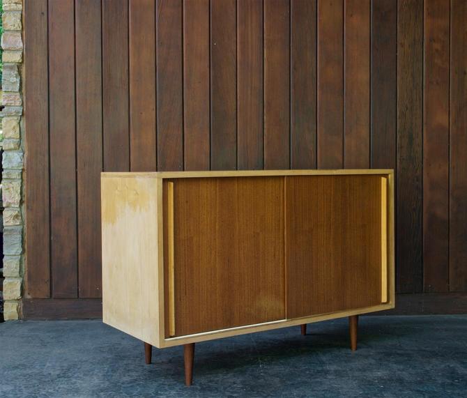 1950s Mid-Century Credenza Vintage Modern by BrainWashington