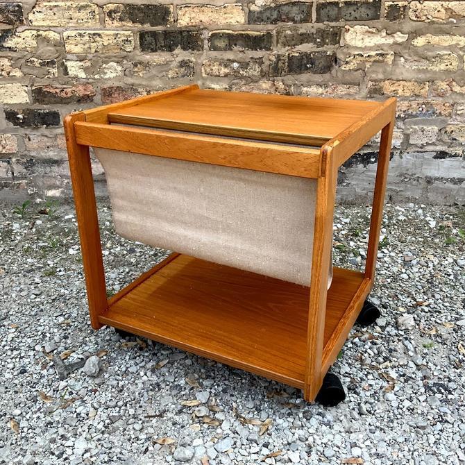 FBJ Møbler Danish Modern Teak Rolling Magazine Stand Side Table