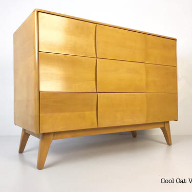 Kohinoor 3 Drawer Dresser Model #M141 by Heywood Wakefield, circa 1949-51 - *Please see notes on shipping before you purchase. by CoolCatVintagePA