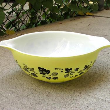 Pyrex Yellow Gooseberry 444 Cinderella Bowl - Vintage 50s Pyrex Bowl - Pyrex Cinderella Bowl - Pyrex Gooseberry - Mixing Bowl - Nesting Bowl by FlyTimesVintage
