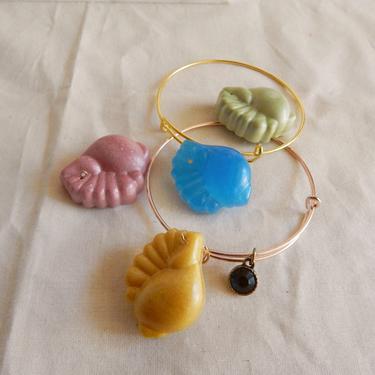Welk Seashell Charm Bracelet by SkiinTones