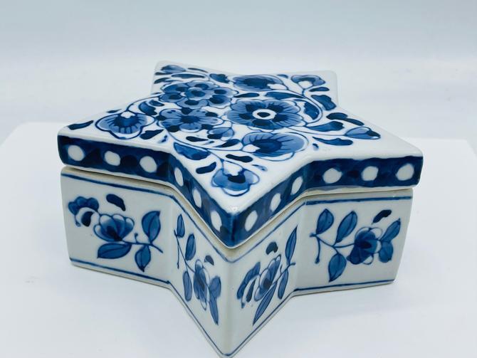 Vintage Blue And White Star Ceramic Box, Trinket Box, Keepsake Box Vintage- Asian by JoAnntiques