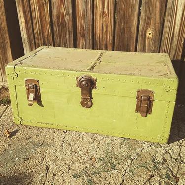 Painted trunk #petworth #vintage
