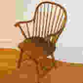t089 antique windsor