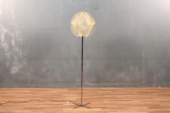 Mod Lucite & Chrome String Art Floor Lamp