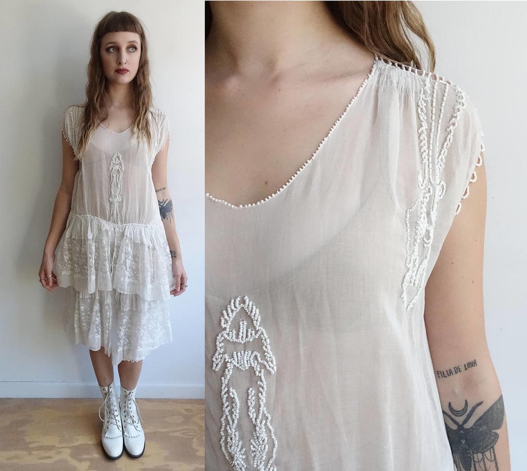 1920s White Cotton Dress With Beading And Lace Tiered