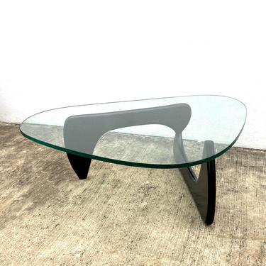 Coffee Table in the Style of Isamu Noguchi