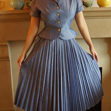 1950s Cotton lavender blue/ Purple Skirt Button Up Blouse Set Pleated Skirt S by honeycombvintage