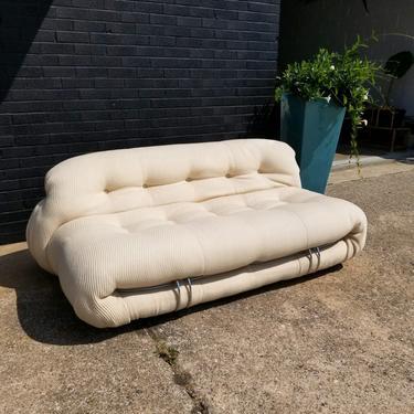 Iconic Italian Post Modern Soriana Sofa designed  by Tobia & Afra Scarpa for Cassina