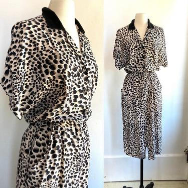 Cool Vintage 80's Does 50's Animal Print WIGGLE Dress / Hourglass Fit / POCKETS by CharmVintageBoutique