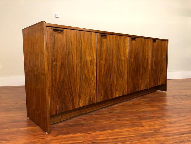Moreddi Vintage Danish Rosewood Sideboard by Vintagefurnitureetc