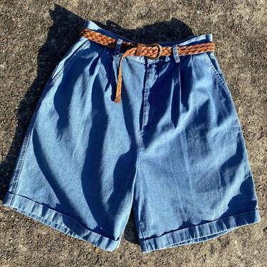 """Vintage 90's Mom jeans~ Denim high waisted~ long pleated shorts~ faded blue~ plus size 35"""" waist by HattiesVintagePDX"""