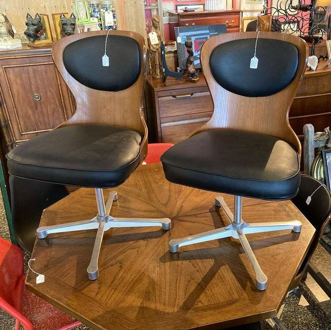 """Bent wood and vinyl mid century swivel chairs! 2 available 19.5"""" x 17.5"""" x 32.5"""" seat height 18.5"""""""