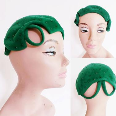 1950s Green Felt Cocktail Hat Black Hematite Beads / 50s Sculpted Beaded Close Beanie Hat Reslaw London by RareJuleVintage