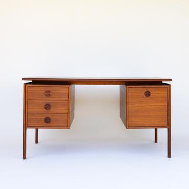 Arne Vodder Danish Teak Desk  for GV Mobler