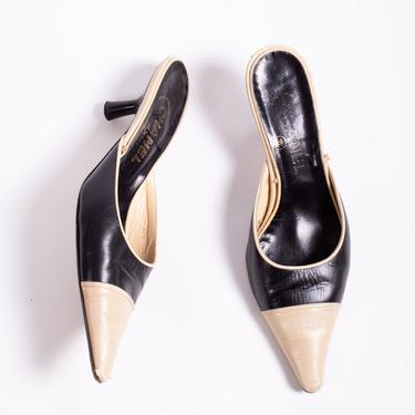 Vintage CHANEL Cream + Black Duo Tone Leather Mules 1990s 37.5 7.5 CC Kitten Heels as-is Pumps by backroomclothing